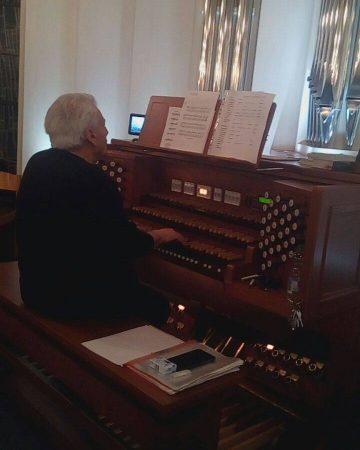 Vittorio Albano an der Orgel